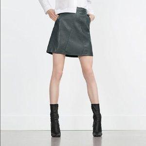 Zara Basic Green Pleather Skirt. Barely Worn.